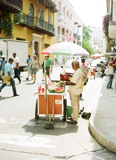 Fruit in the Street in Cartagena Colombia | photography by http://www.sweetteaphotographybylisamarie.com/