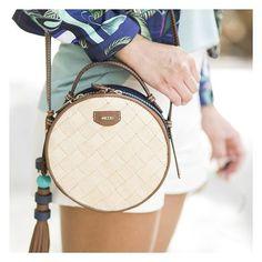 8a18366ec 43 melhores imagens de Bolsas de verão | Summer handbags, Winter ...