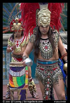 Aztec dancers performing, El Pueblo historic district. Los Angeles, California, USA Aztec Costume, Aztecas Art, Drawing Board, Have A Great Day, Great Photos, North America, This Is Us, Carnival, Dancer