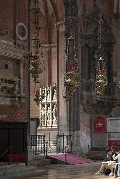 Santa Maria Gloriosa dei Frari, http://en.wikipedia.org/wiki/Santa_Maria_Gloriosa_dei_Frari