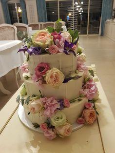 Velvet, Restaurant, Cake, Desserts, Food, Tailgate Desserts, Pie, Kuchen, Dessert