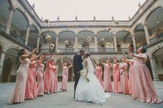 051_Angelica-Ivan_sesion-formal-locacion-palacio-de-gobierno-monterrey-bride-maids-damas
