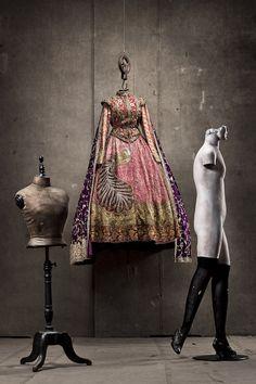 Charles Koroly, Costumedesign.