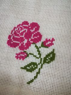 Cross Stitch Heart, Simple Cross Stitch, Cross Stitch Flowers, Easy Cross Stitch Patterns, Cross Stitch Designs, Cross Stitching, Cross Stitch Embroidery, Sewing Baby Clothes, Feather Stitch