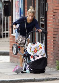 Baby Stroller VS iPhone - Pay attention