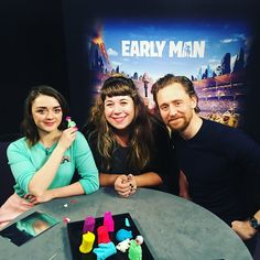 Twitter Loki, Tom Hiddleston 2017, Thomas Sharpe, Tall Guys, Tall Man, Twelfth Night, Thomas William Hiddleston, Maisie Williams, Married Woman