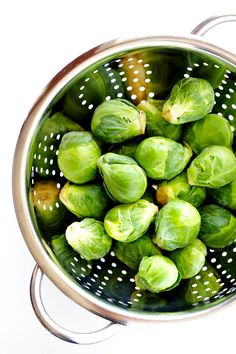 Learn how to cut Brussels sprouts 3 ways with this quick video tutorial!   gimmesomeoven.com