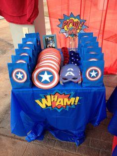 Capitan américa birthday table gift to do en 2019 вечеринка Avengers Birthday, Superhero Birthday Party, 4th Birthday Parties, Super Hero Birthday, Third Birthday, Captain America Party, Captain America Birthday, Anniversaire Captain America, Red Party Themes