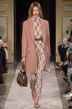Tod's Fall 2015 Ready-to-Wear - Collection - Gallery - Style.com love the bag