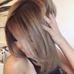 Caramel brown highlighted hair