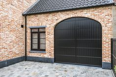 Beauvais, Garage Design, Outdoor Living, Outdoor Decor, Bungalow, Facade, Garage Doors, Sweet Home, New Homes