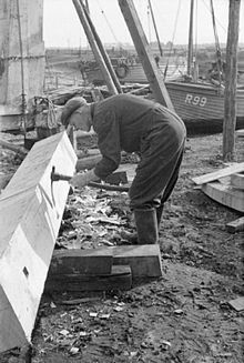 Rye Shipyard the Construction of Motor Fishing Vessels Rye Sussex England UK 1944 Rye Sussex, Fishing Vessel, Wooden Boat Building, Wood Worker, Vintage Candles, Wooden Boats, England Uk, Old Pictures, Wood And Metal