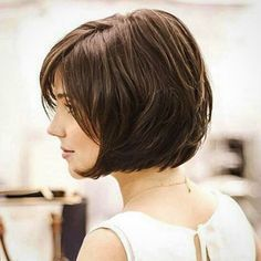 Short Bob Hairstyles have been in fashion in one form or another for decades. One can customize the Very Short Bob Hairstyles to match her personality. Very Short Bob Hairstyles, Stacked Bob Hairstyles, Short Layered Haircuts, Haircuts For Long Hair, Medium Hair Cuts, Short Hair Cuts, Short Hair Styles, Pixie Cuts, Long Curls