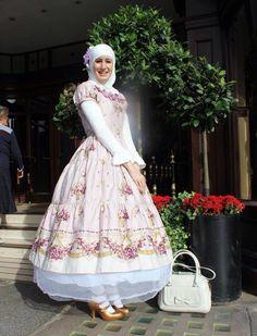 England fashion Muslim hijab madame