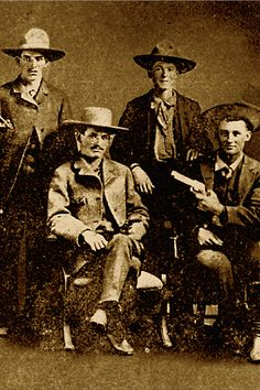 Outlaw Sam Bass (standing at right) worked as a farmhand in Denton County, Texas, before turning to horse stealing and robbing stagecoaches. In he and his gang held up a Union Pacific train in. Collins Brothers, Wild West Outlaws, Union Pacific Train, Famous Outlaws, Old West Photos, Into The West, American Frontier, Texas History, Texas Hill Country