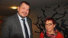 Onko maamme valttikorttina pidetystä koulutuksesta leikkaaminen järkevää? Tulevaisuustutkija Olli Hietanen ja eduskunnan tulevaisuusvaliokunnan varapuheenjohtaja Merja Mäkisalo-Ropponen kertovat mielipiteensä koulutuksen nykytilasta ja haasteista.