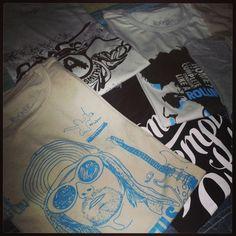 Nova coleção na Rocker!! www.modarocker.com.br #rocker #nirvana #aerosmith #rollingstones #bobdylan #stonetemplepilots folkrock #design #modarocker #camisetas  #shirt #sale #collection #bands #idol #rock #rocknroll #classic #fashion #vintage #modern