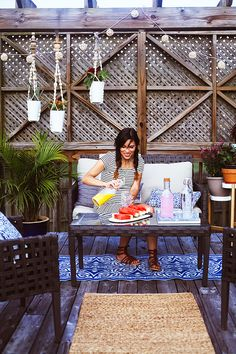 eclectic budget friendly patio