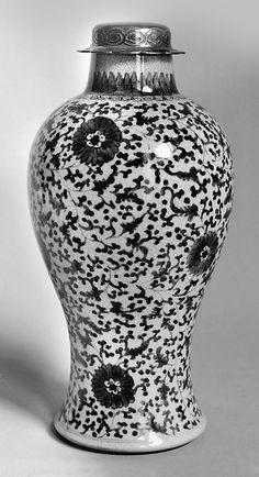 Qing dynasty, Kangxi period, China porcelain jar MMA