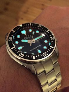 Building Your Perfect Diver - A Watch Modding Example Cool Watches, Watches For Men, Seiko Mod, Watch Blog, Dove Men, Seiko Diver, Seiko Watches, Black Boys, Diving