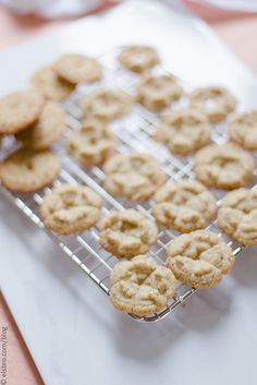 Almond Chickpea Flour Cookies by Elsbro, via Flickr
