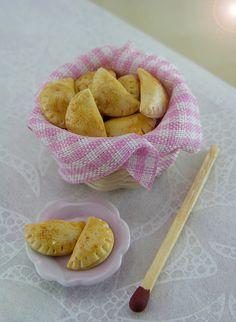 Empanadas Basket by Shay Aaron, via Flickr