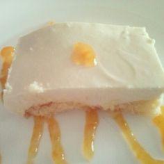 Tarta de queso con mermelada de melocoton casera