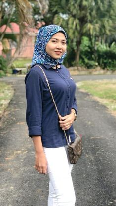 Hijab Fashionista, Beautiful Hijab, Boobs, Bodycon Dress, Satin, Sexy, Clothes, Beauty, Big
