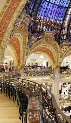 Starbucks at Galeries Lafayette, Paris
