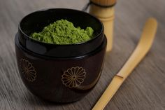 My doctor told me that I need to eat more healthy. I have been changing my diet to move away from sugar and fat, and I want to give my body the nutrients it needs. Fruits and vegetables can do a great job, but I want more than that. I think I might try this green tea powder.