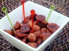 歯ごたえのある小粒いちじくを赤ワインで煮ると、やわらかく食べやすくなります。