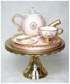 teapot cake with cup