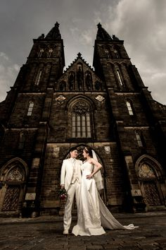 pre wedding in prague vysehrad