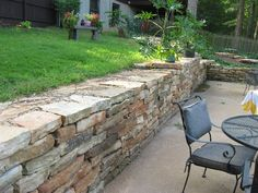 Gottschalk Quarry Has Landscaping Wall Stone Quarried Near Saint Louis By A Rock Supplier You Can Trust Use For Dry Stacked Retaining Walls