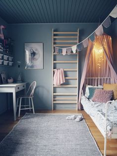 Beautiful muted blue kid's bedroom with soft textures in the rug and cushions for cosiness Teen Girl Bedrooms, Kids Decor, Home Decor, Kid Spaces, Home Interior, Girl Room, Room Inspiration, Bedroom Decor, Bedroom Ideas