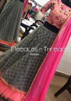 Lehenga Crop Top, Lehenga Blouse, Lehenga Choli, Kids Blouse Designs, Saree Blouse Neck Designs, Lehenga Designs Simple, Frock Models, Chanya Choli, Crop Dress