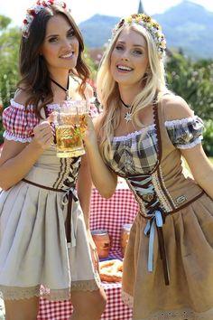 German Girls, German Women, Octoberfest Girls, Beer Maid, Beer Girl, Dirndl Dress, Gothic Lolita, Beauty Women, Ideias Fashion