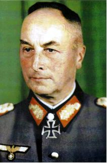 General der Panzertruppe Fritz-Hubert Gräser (3 January 1888 – 4 November 1960) Knight's Cross on 19 July 1940 Oberst and commander of the Infanterie-Regiment 29 (motorized); 517th Oak Leaves on 26 June 1944 as Generalleutnant and commander of the 3. Panzergrenadier-Division; 154th Swords on 8 May 1945 as als General der Panzertruppe and commanding officer of the 4. Panzerarmee