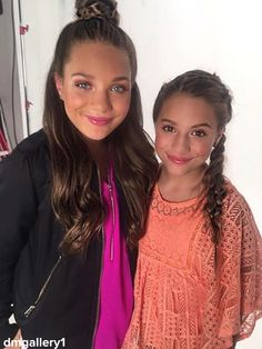 Mackenzie Ziegler BTS of a shoot in NY [FOLLOW: @dmgallery1]