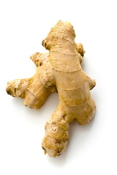 Ginger root has long been known to be very effective against many illnesses and diseases. Ginger root is a natural herb, or spice and can be safely consumed without any side-effects. Ginger is a cu… Raw Juice, Ginger Juice, Ginger Beer, Fresh Ginger, Healthy Meats, Healthy Recipes, Juice Recipes, Ginger Essential Oil, Essential Oils