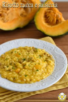 Pumpkin and sausage risotto- Risotto zucca e salsiccia Pumpkin and creamy and tasty sausage risotto, an easy autumnal and winter first course, suitable for any occasion, authentic comfort food for cold days! Pumpkin and sausage risotto recipe - Uk Recipes, Czech Recipes, Italian Recipes, Cooking Recipes, Healthy Recipes, Salad Recipes, Italian Appetizers, Easy Appetizer Recipes, Sausage Risotto Recipe