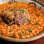 Fasole cu ciolan afumat Romanian Food, White Beans, Chana Masala, Vegetables, Ethnic Recipes, Alternative, Kidney Beans, Vegetable Recipes, White Bean