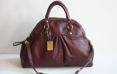 AUTHENTIC MARC BY MARC JACOBS CLASSIC RED WINE COLOR LEATHER SHOULDER / TOTE BAG #MarcbyMarcJacobs #ShoulderBag