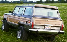 A 1987 Wagoneer about to be unleashed on a fresh field of clover.