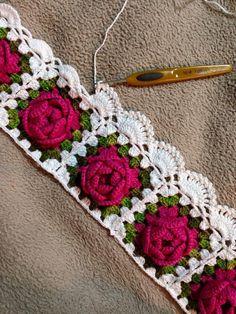 Barrado Com Rosas By Norma Rosas - Diy Crafts - hadido Crochet Bedspread Pattern, Crochet Lace Edging, Granny Square Crochet Pattern, Crochet Borders, Crochet Squares, Filet Crochet, Irish Crochet, Crochet Doilies, Crochet Flowers