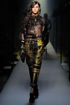 Jean Paul Gaultier Fall 2015 Couture Fashion Show - Danielle Pontes