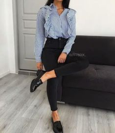 Lass dich inspirieren Business Outfit Damen Classy rokleidung roOutfit Source by outfits Casual Work Outfits, Mode Outfits, Office Outfits, Work Attire, Work Casual, Classy Outfits, Trendy Outfits, Fall Outfits, Fashion Outfits
