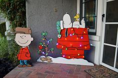 Made some Peanuts themed yard art for my wife, will add pieces to it over the years. Made Snoopy and Woodstock so that I can add base pieces and hats etc. depending on the season, this is the Christmas setup with Charlie Brown, his hat is removable.