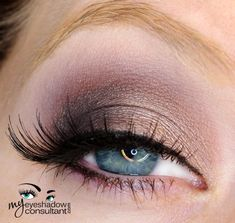 Satin Taupe (inner half of lid) Shadowy Lady (outer half of lid and lower lashline) Blackberry (crease) Vanilla (blend)