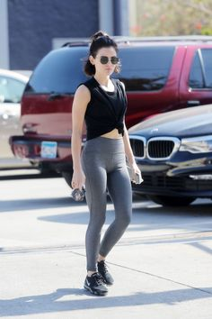 Lucy Hale in lights Los Angeles Lucy Hale Body, Lucy Hale Style, Gym Style, Workout Style, Lucy Hale Outfits, Stylish Short Haircuts, Stylish Girl Pic, Girls In Leggings, Celebs